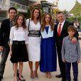 La prince Hussein, la princesse Salma, la reine Rania, la princesse Iman, le roi Abdullah II et le prince Hashem de Jordanie en juin 2014 lors de la remise de diplôme d'Iman. Instagram.