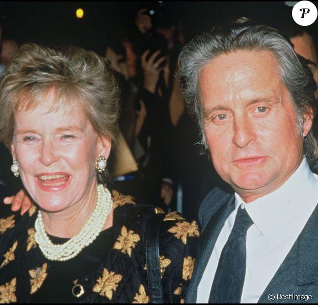 Michale Douglas et sa mère Diana en 1995.