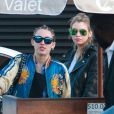 Miley Cyrus et sa girlfriend Stella Maxwell sont allées déjeuner au restaurant Nobu à Malibu, le 11 juillet 2015