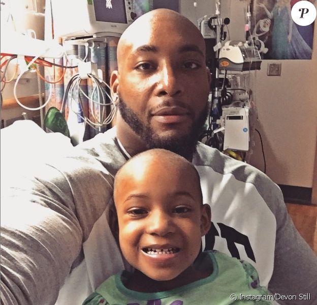 Devon Still et sa petite fille Leah - photo publiée sur le compte Instagram de la star NFL le 21 mai 2015
