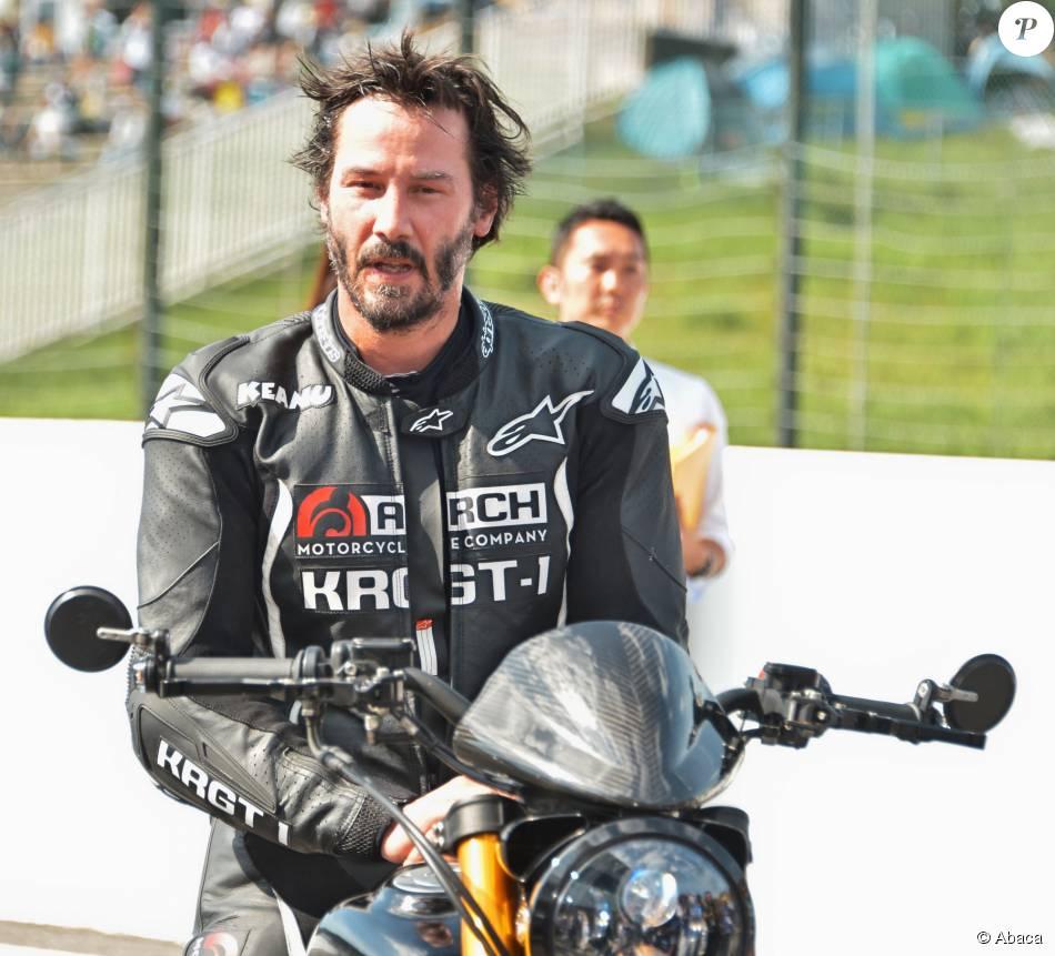 Keanu Reeves essaye sa moto sur le circuit de Suzuka au Japon le 25 Juillet 2015