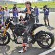 Keanu Reeves essaye sa moto sur le circuit de Suzuka au Japon le 25 Juillet 2015.