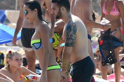 Leila Ben Khalifa : Tendres baisers en Méditerranée avec son bel Aymeric...
