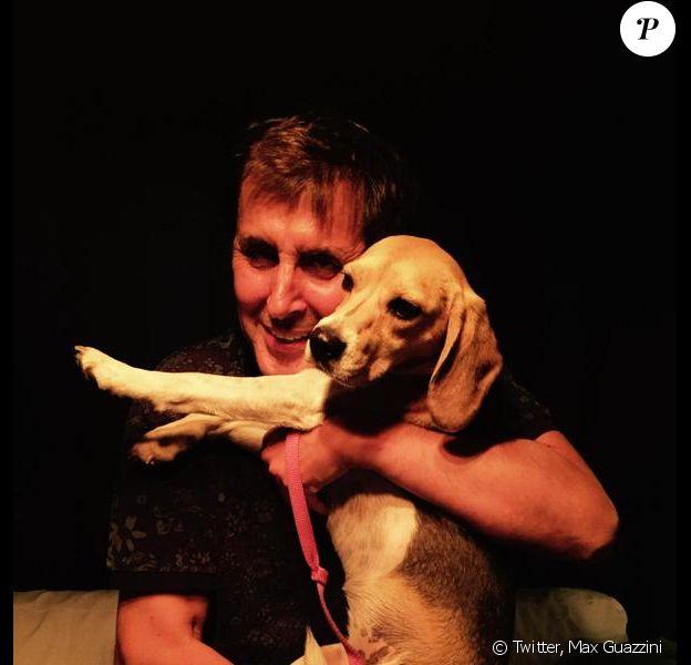 Max Guazzini réuni avec sa chienne Holy après deux semaines de recherche, photo publiée le 2 août 2015