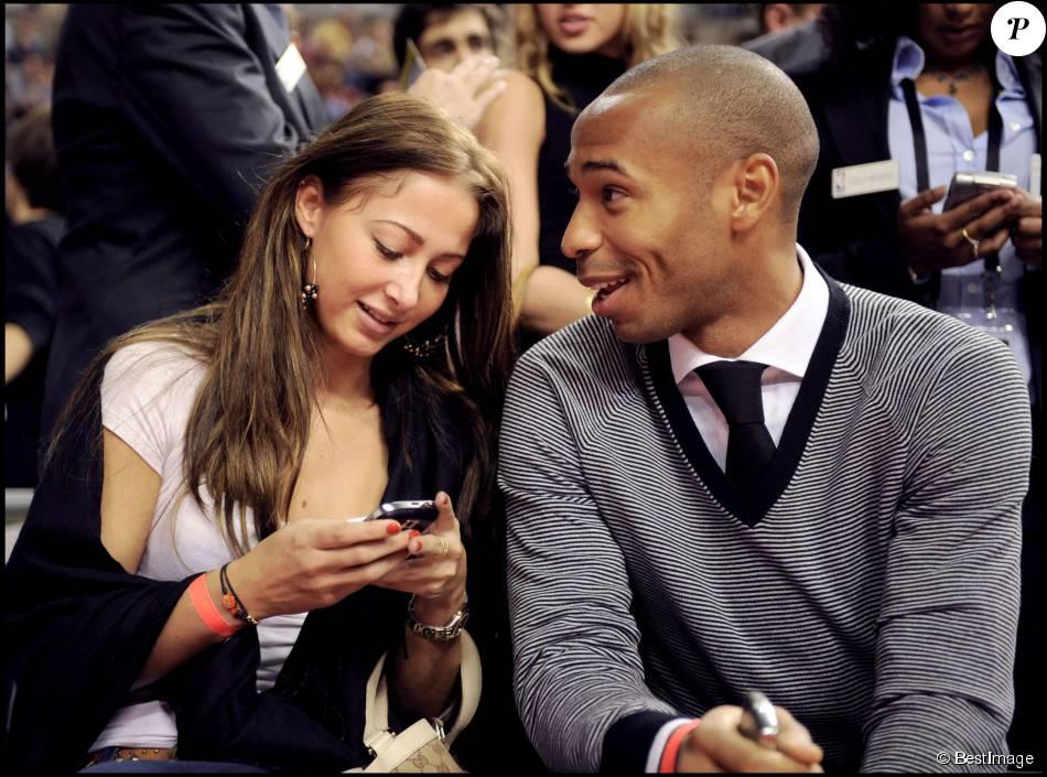 Thierry Henry et sa compagne Andrea à Barcelone en octobre 2008.