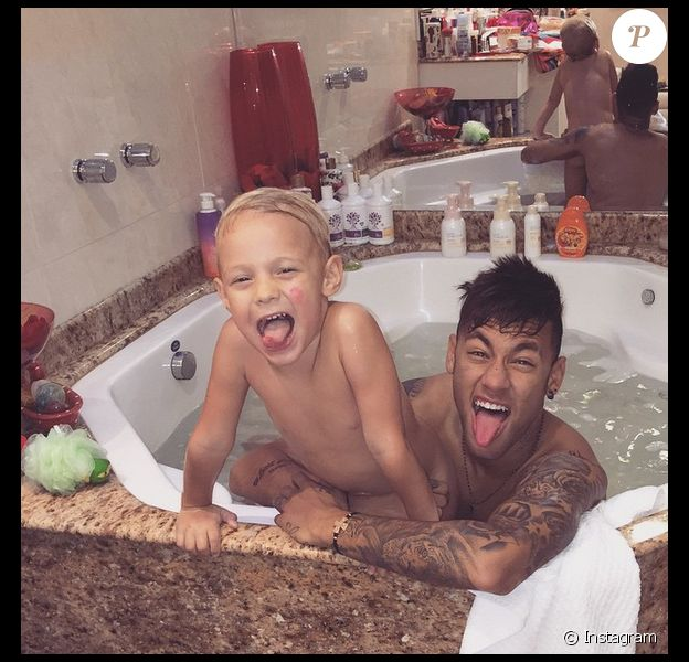 Neymar et son fils Davi Lucca - 2015