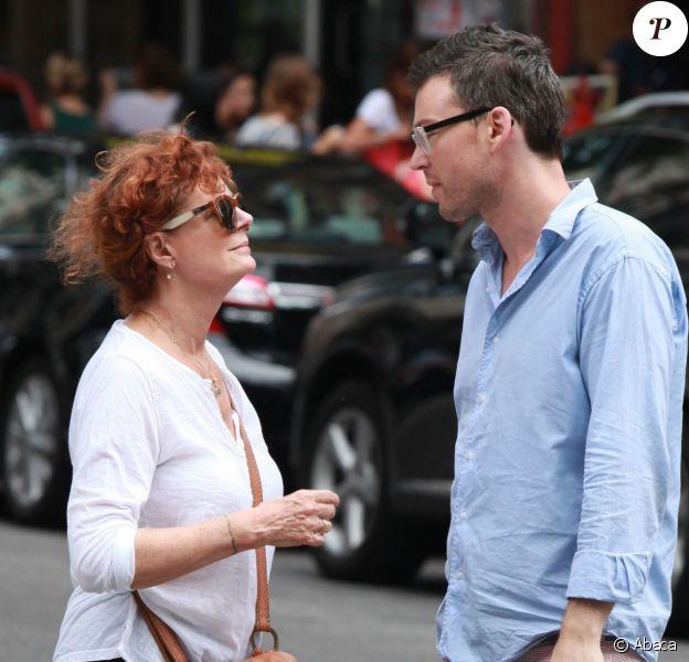 Susan Sarandon et Jonathan Bricklin dans les rues de New York le 26 juillet 2014