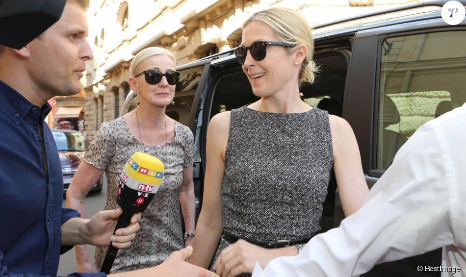 Kelly Rutherford , accompagnée de sa mère Ann Edwards, arrive au tribunal de Monaco pour tenter de récupérer la garde de ses enfants Hermès et Helena qui vivent avec leur père Daniel Giersch à Monaco. Le 3 septembre 2015.