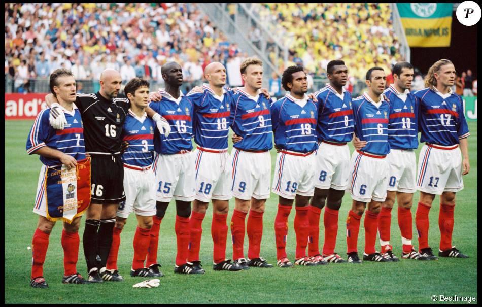 L 39 quipe de france lors de la finale de la coupe du monde 1998 au stade de france purepeople - Coupe du monde foot 1998 ...