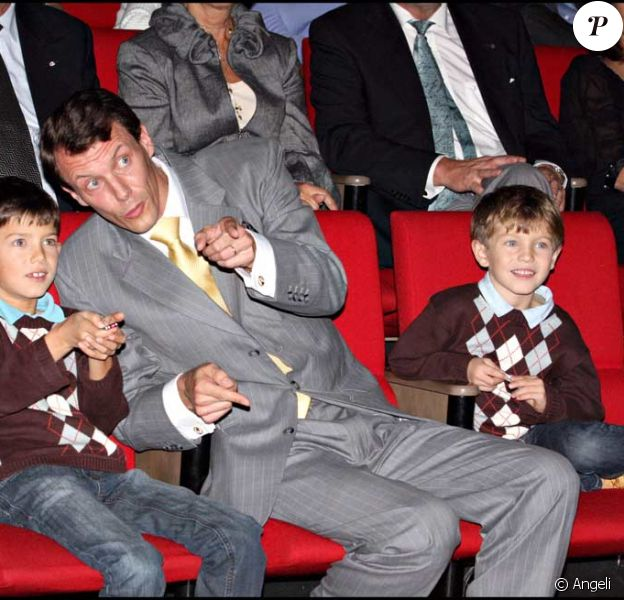 Joachim de Danemark avec ses enfants Nikolai et Felix