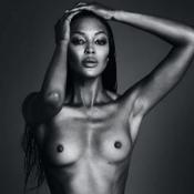 Naomi Campbell, 45 ans, nue et époustouflante... mais censurée ?