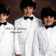 Cheikh Rashid bin Mohammed Al Maktoum, fils de l'émir de Dubai, ici avec ses petits frères Hamdan et Maktoum, est mort le 19 septembre 2015 à l'âge de 33 ans, d'une crise cardiaque.