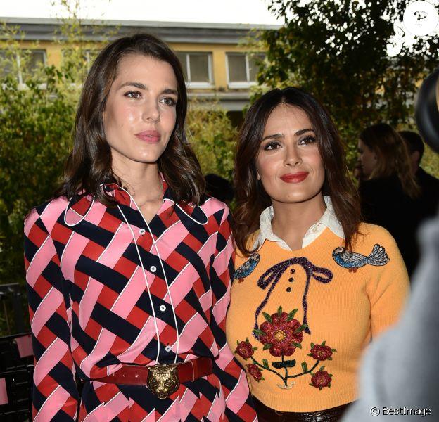 Charlotte Casiraghi et Salma Hayek - People au défilé Gucci pendant la fashion week de Milan le 23 septembre 2015.