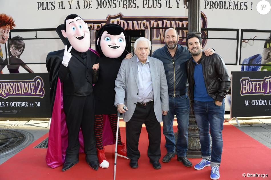 """Michel Galabru, Kad Merad et Alex Goude - Avant-première du film """"Hôtel Transylvanie 2"""" à Paris, le 27 septembre 2015."""