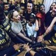 Madonna avec ses danseurs et sa fille Mercy. Septembre 2015