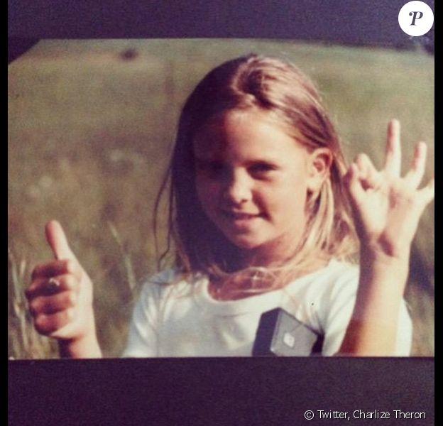 """""""A l'école, j'ai appris à toujours croire en moi. 62 millions de filles n'ont pas cette chance"""", pouvait-on lire en légende."""