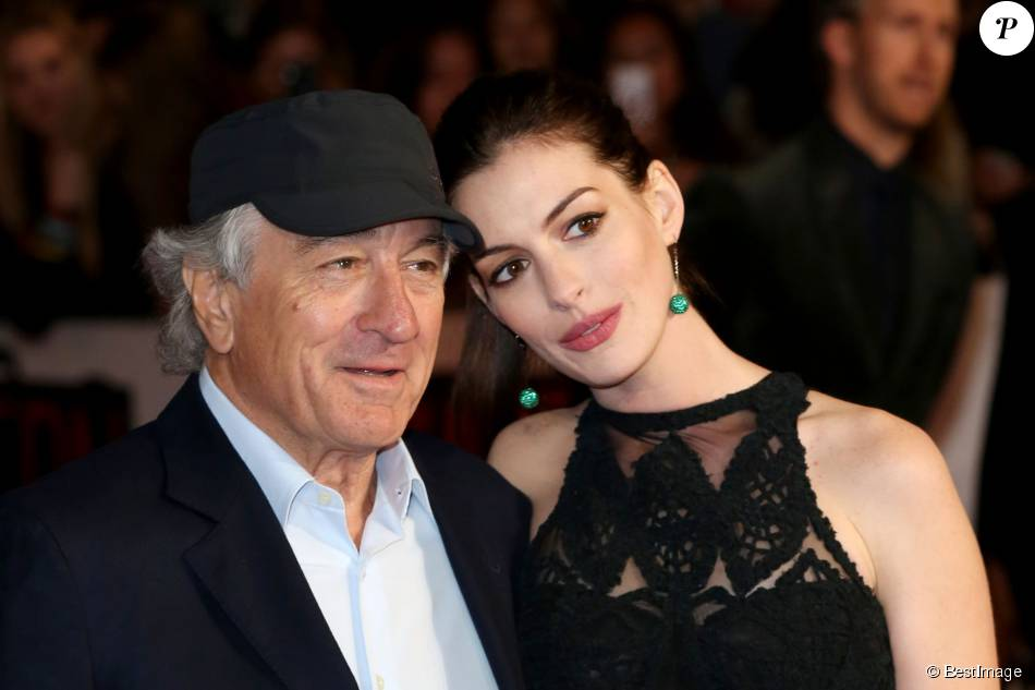 robert de niro et anne hathaway avant premi re du film. Black Bedroom Furniture Sets. Home Design Ideas