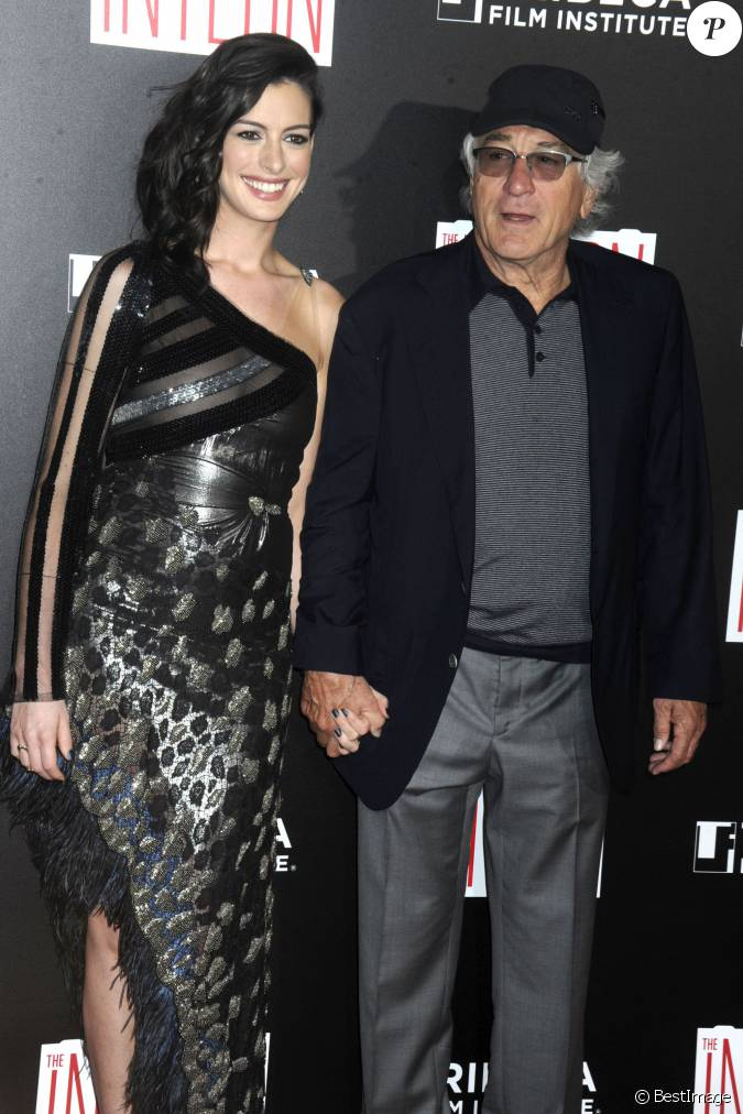anne hathaway et robert de niro avant premi re du film. Black Bedroom Furniture Sets. Home Design Ideas
