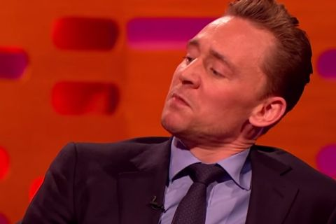 Tom Hiddleston imite Robert de Niro... devant Robert de Niro : Hilarant !
