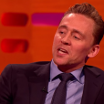 Tom Hiddleston imite De Niro sur le plateau du Graham Norton Show. (capture d'écran)