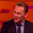 Tom Hiddleston sur le plateau du Graham Norton Show. (capture d'écran)