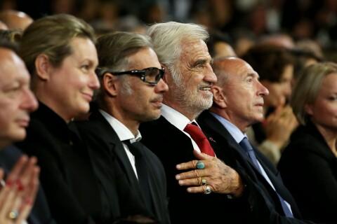 Paul et Luana Belmondo : Amoureux admiratifs devant Jean-Paul Belmondo rayonnant