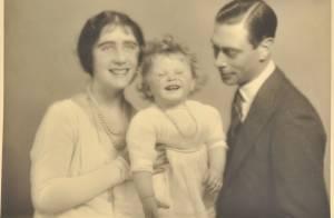 Elizabeth II de bébé à maman : D'exceptionnelles photos de famille révélées