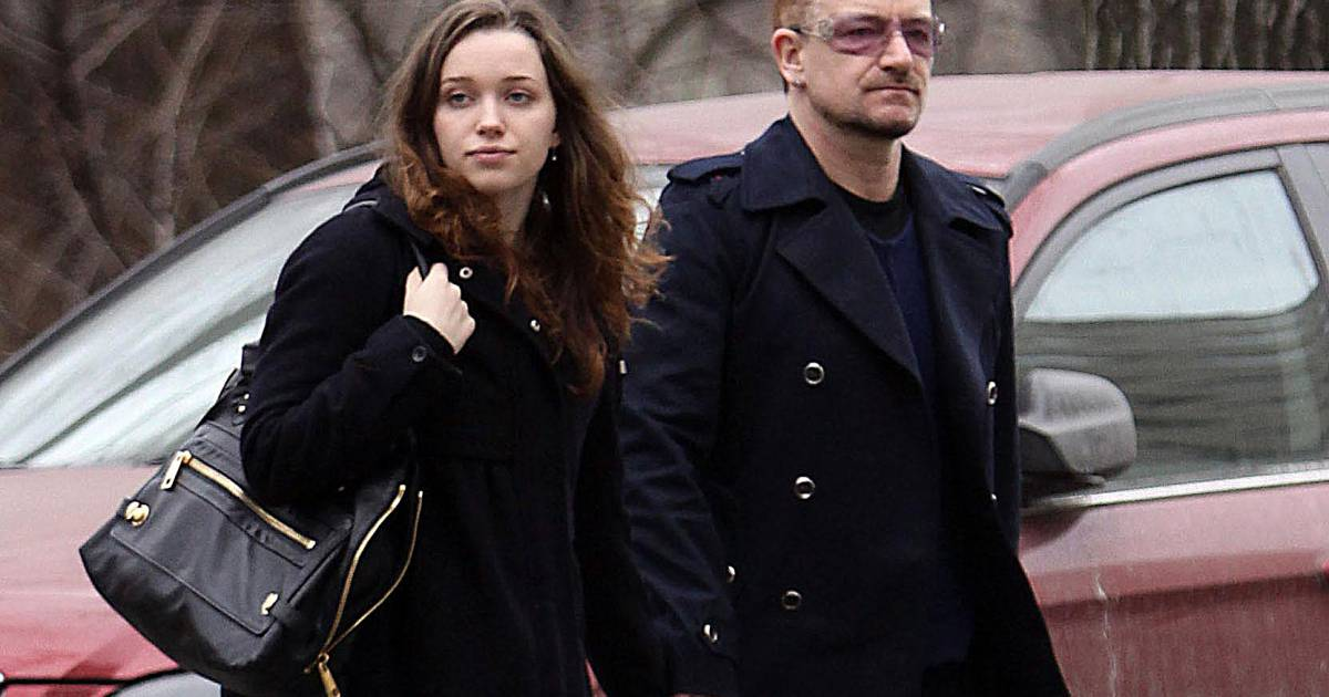 bono et sa fille jordan hewson dans les rues de new york le 8 mars 2009 purepeople. Black Bedroom Furniture Sets. Home Design Ideas