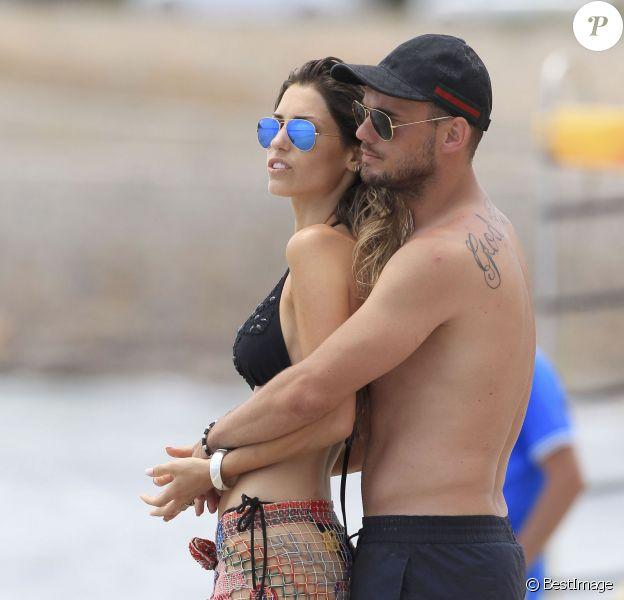 Wesley Sneijder et sa femme Yolanthe Cabau en vacances a Ibiza le 21 juin 2013
