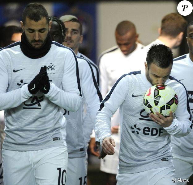 Karim Benzema et Mathieu Valbuena avant la rencontre France - Brésil, au Stade de France à Saint-Denis, Fle 26 mars 2015