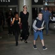 Angelina Jolie de retour au bercail : Shiloh, coupe garçonne, mène la tribu