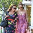 Jennifer Lopez et Leah Remini font du shopping chez Fred Segal à West Hollywood, le 30 juillet 2014.
