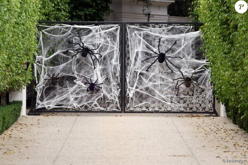 exclusif la maison de david et victoria beckham d cor e pour halloween los angeles le 28. Black Bedroom Furniture Sets. Home Design Ideas