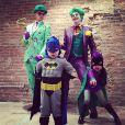 """Neil Patrick Harris en Homme-Mystère, David Burtka en Joker, Gideon en Batman et Harper en Batgirl : un Halloween 2014 totalement Gotham !"""
