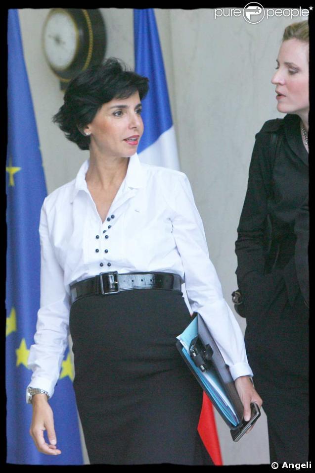 Rachida Dati à la sortie du conseil des ministres du 7 octobre 2008