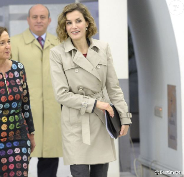 """La reine Letizia d'Espagne à la Bibliothèque nationale à Madrid le 3 novembre 2015 pour la première table ronde du séminaire """"Coopération espagnole 2030 : l'Espagne et le nouvel agenda du développement durable""""."""