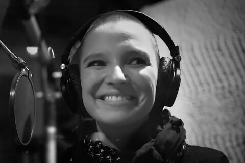"""Anne Sila (The Voice 4) : """"Le Monde tourne sans toi"""", une ballade prometteuse !"""