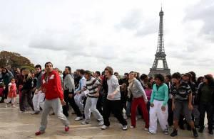 REPORTAGE PHOTOS : Quand les élèves de la Star Academy dansent dans la rue !