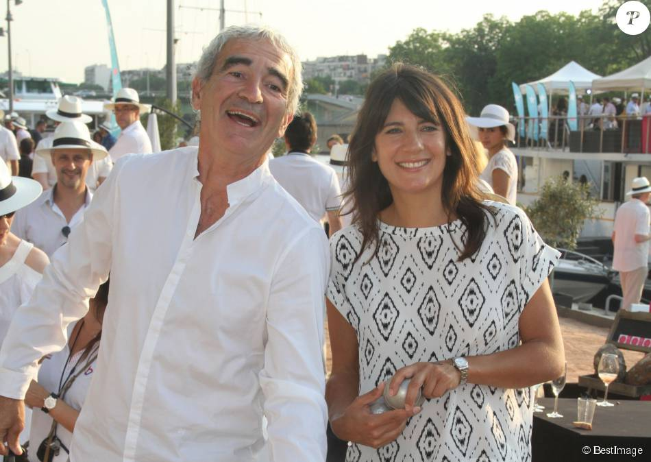Raymond domenech et sa compagne estelle denis paris le - Raymond domenech estelle denis ...