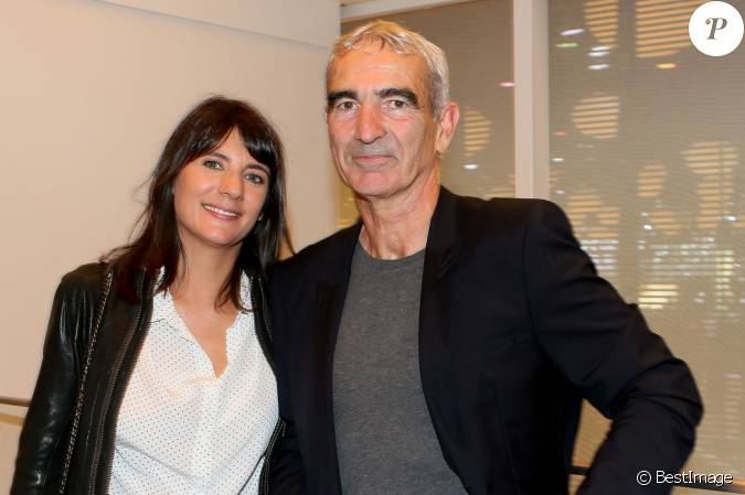estelle denis et raymond domenech paris le 2 octobre. Black Bedroom Furniture Sets. Home Design Ideas