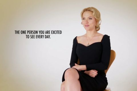 Scarlett Johansson ne jure que par sa fille Rose et son mari Romain