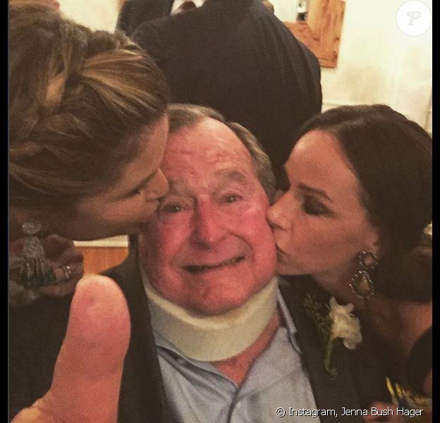 Jenna Bush Hager, sa soeur Barbara Bush et leur grand-père George W.H. Bush - Photo publiée le 23 novembre 2015