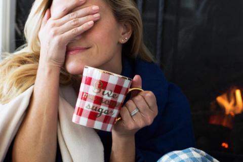 """Reese Witherspoon, Katie Holmes : Qui est le plus """"en coma"""" après Thanksgiving ?"""