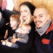 """Ashlee Simpson et Evan Ross : Leur """"adorable famille"""" en vacances à Aspen"""