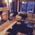 Ashlee Simpson et sa fille Jagger Snow en vacances à Aspen / photo postée sur Instagram au mois de décembre 2015.