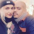 Ashlee Simpson et son mari Evan Ross en vacances à Aspen / photo postée sur Instagram au mois de décembre 2015.