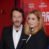 """Julie Gayet a le """"Cafard"""" aux côtés de Jean-Hugues Anglade"""