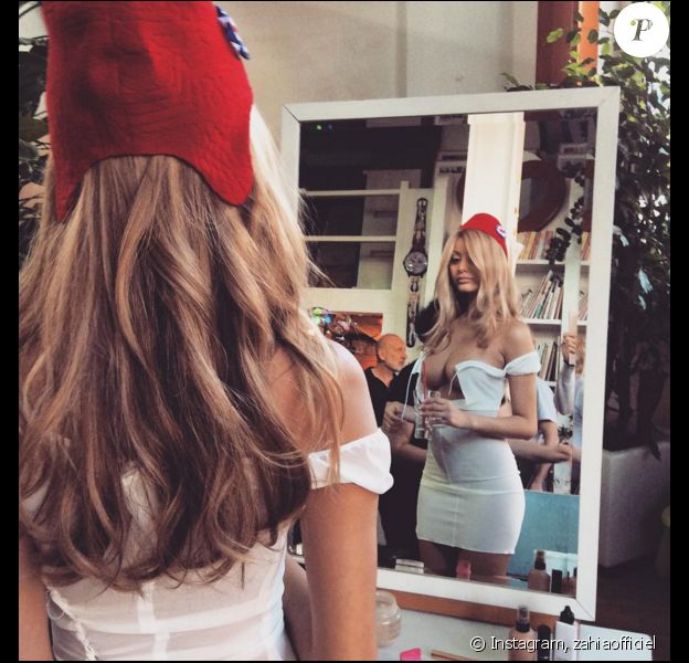 La belle Zahia Dehar, les coulisses de sa dernière séance photo avec Pierre et Gilles. Elle incarne notre Marianne nationale. Décembre 2015.
