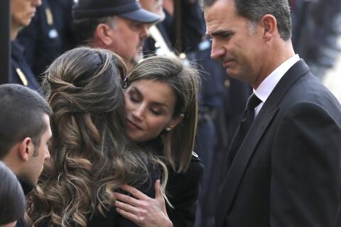 Letizia et Felipe VI d'Espagne émus aux obsèques des 2 policiers tués à Kaboul