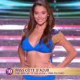 Miss Côte d'Azur défile en robe de princesse lors de la cérémonie de Miss France 2015 sur TF1, le samedi 6 décembre 2014.